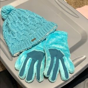 Hat & Gloves